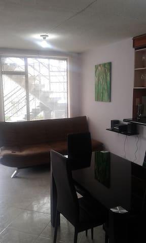 Cómodo Apartamento Barrio Chipre - Manizales - Appartement