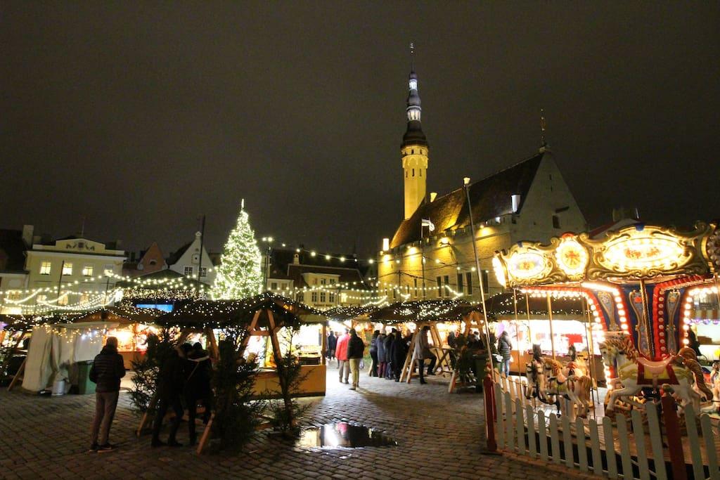 Christmas market 200 meters away