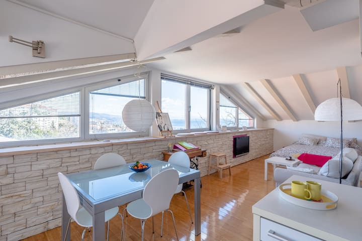 Chiara Studio Penthouse Apartment