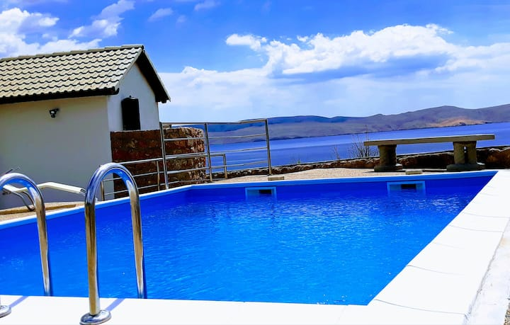 Beachfront apartment Ika with sea view and pool