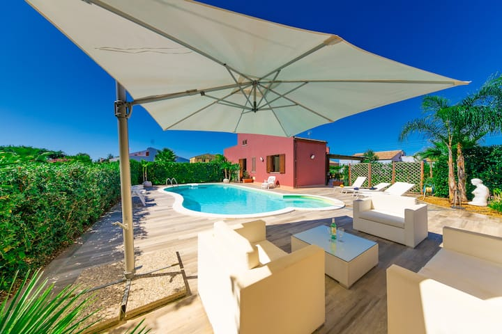 Rentopolis Luxury Villas 1