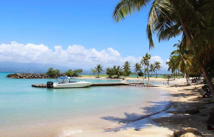 Studio avec piscine à quelques minutes de la plage