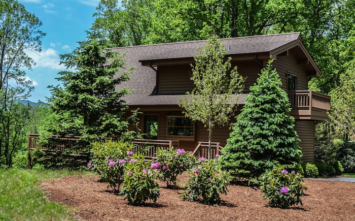 Blowing Rock -Tree Top Suite at Westglow-2 BR