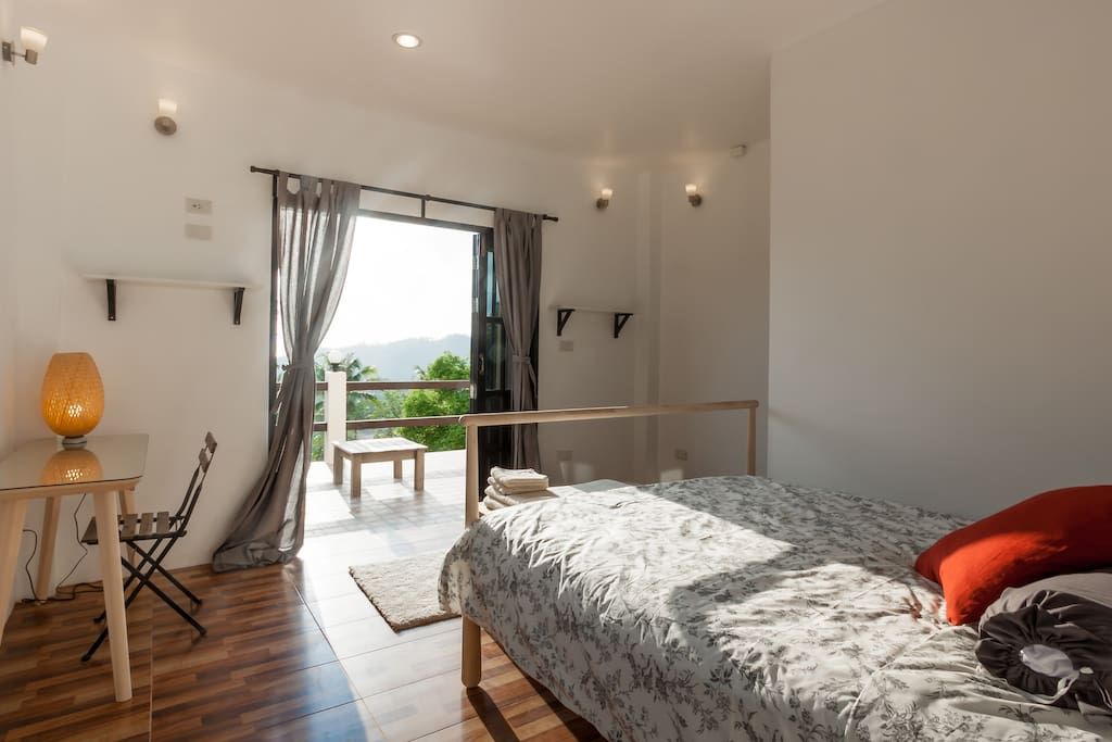 Sunset bedroom, comfy, clean and cosy!