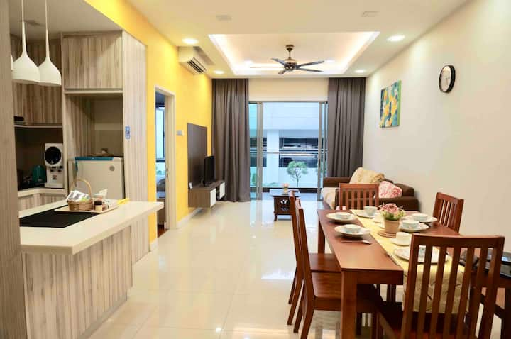 Comfortable modern condo in the IMAGO MALL