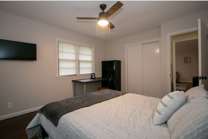 Large master bedroom with plenty of storage for those longer term stays.