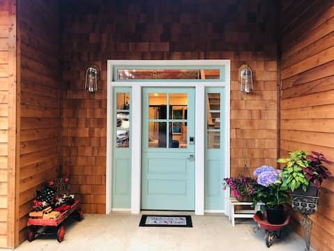 Dahlia Cove Inn & Sauna  Enchanting & Secluded