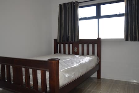 fully furnished studio in Clayton - Rumah