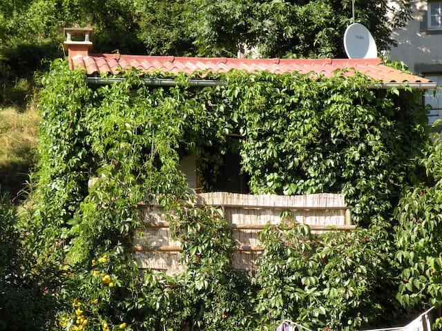 Petite maison au coeur de la nature