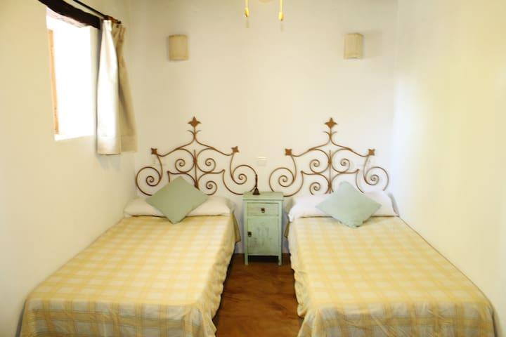 Habitación dos camas piso inferior