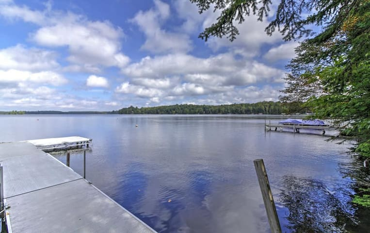Rustic 2BR Land O?Lakes Waterfront Cabin! - Land O' Lakes - House