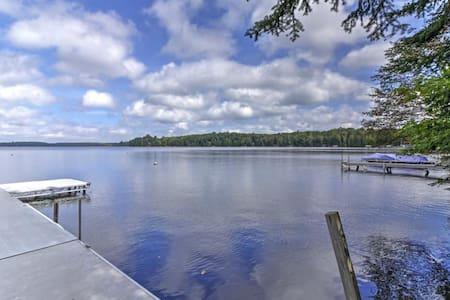 Rustic 2BR Land O?Lakes Waterfront Cabin! - Land O' Lakes - Rumah