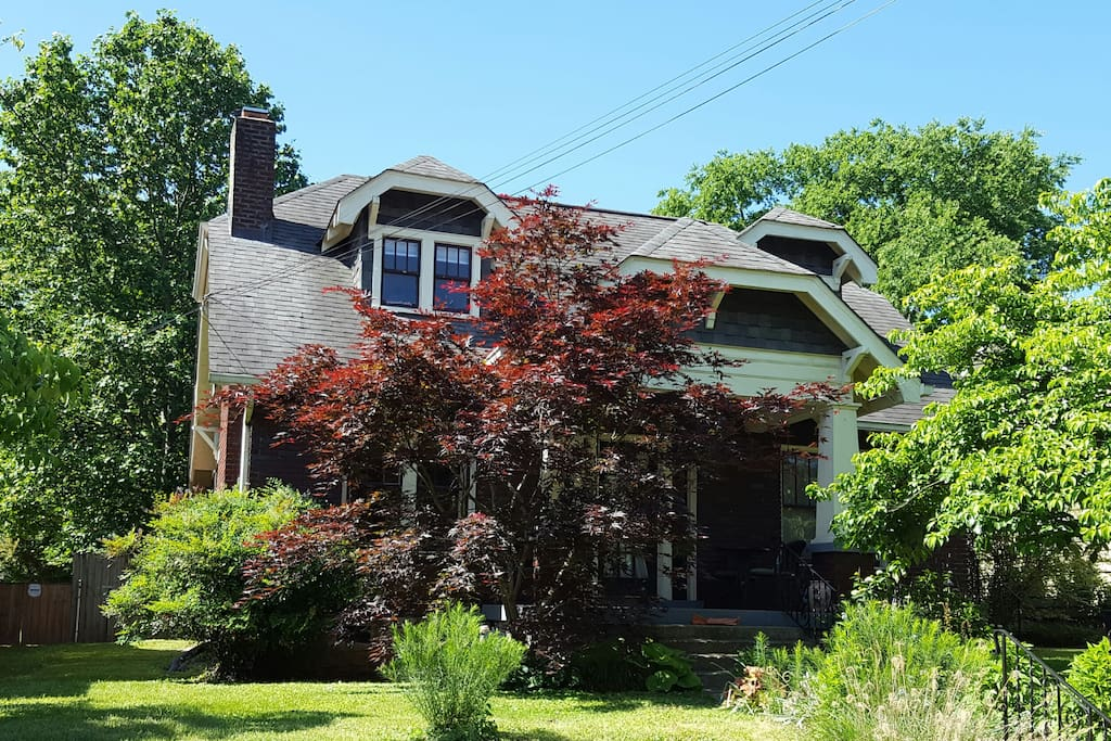 Our 1920s Craftsman-style bungalow set in the beautiful (and lush!) Lockeland Springs neighborhood of East Nashville.