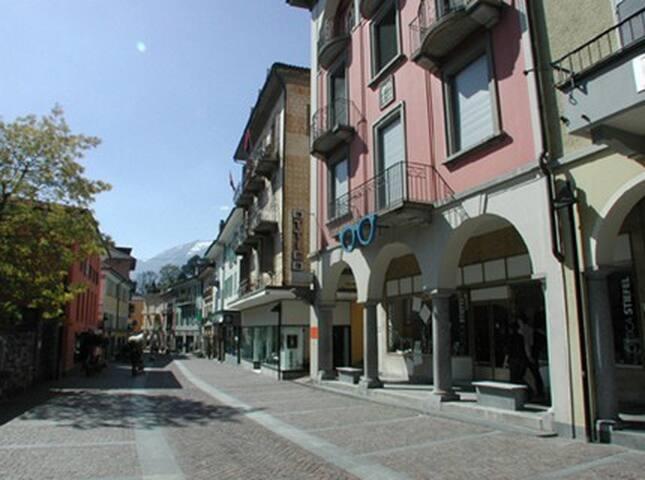 Schöne 3,5 Zimmer Altstadt-Wohnung in Ascona - Ascona - Apartamento