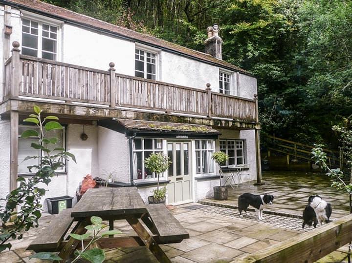 Peacock Cottage - Riverside Holidays on Exmoor