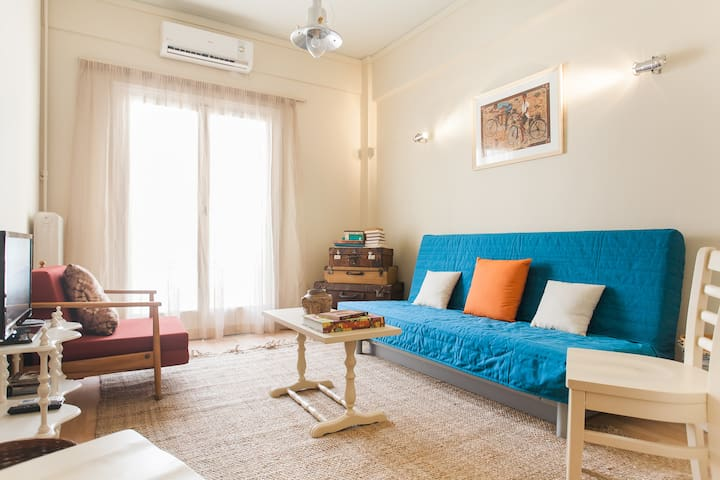 Cozy Apartment 5 min away from metro