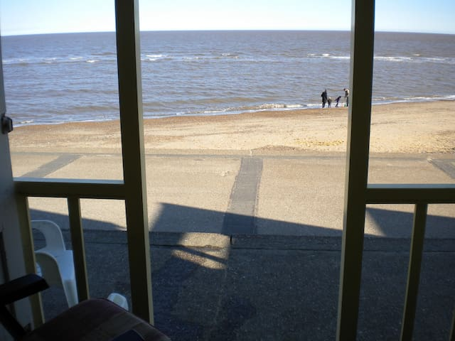 Well situated flat with beach hut - Southwold - Lägenhet