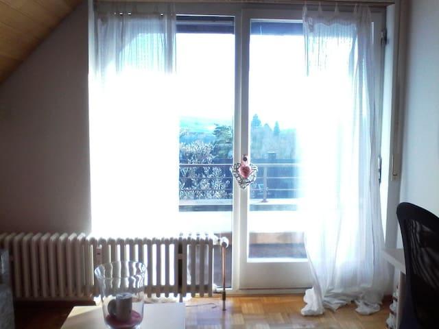 Helles Zimmer oberhalb des Schönblicks