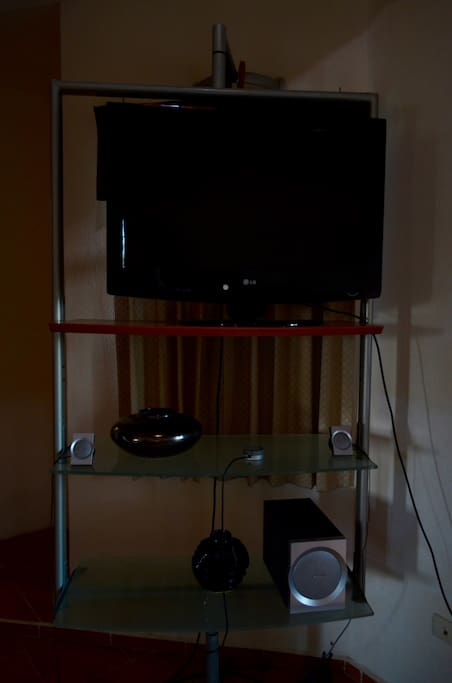 HDTV Flat screen with Bose sound system!