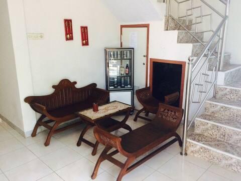 Adorable bedrooms Guesthouse in Telanaipura Jambi, English Speaking Host.