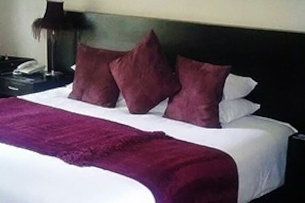 Guests can choose between king or twin beds.