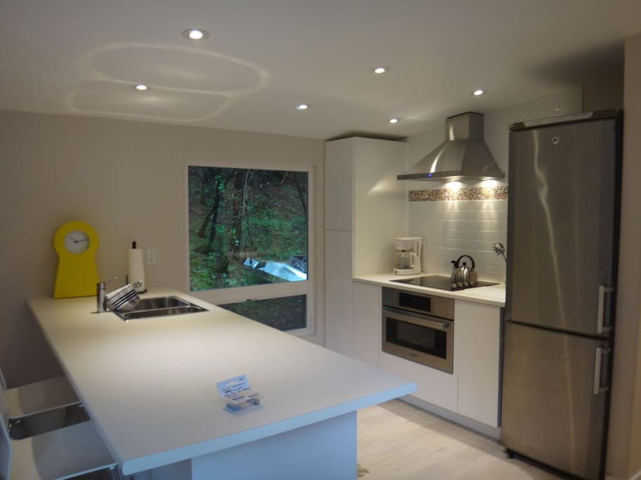 Bright and clean fully equipped kitchen