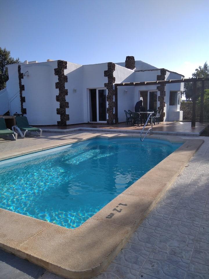Double / triple room in pool villa