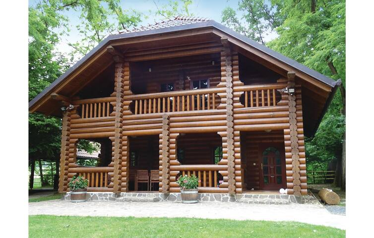 Holiday cottage with 4 bedrooms on 154 m² in Moravske Toplice