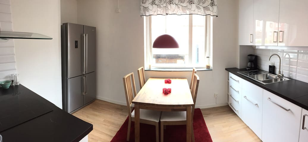 Modern home - great location! - Karlskrona - Leilighet