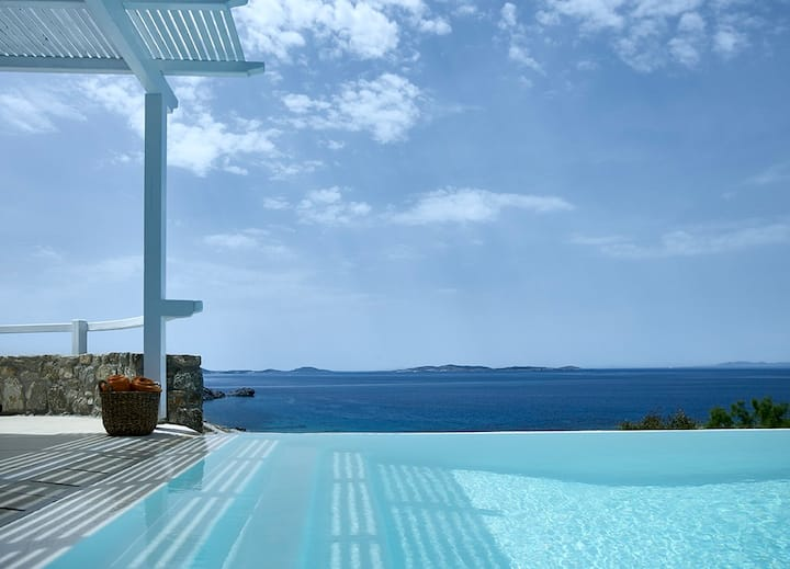 """Outstanding One-Bedroom Villa """"Asterias"""" with Pool"""
