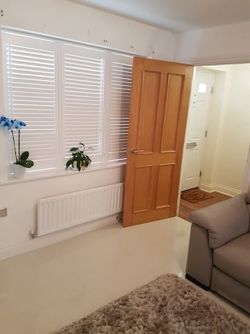 Home to Home Double Rooms, Bathroom - Epping - Ev