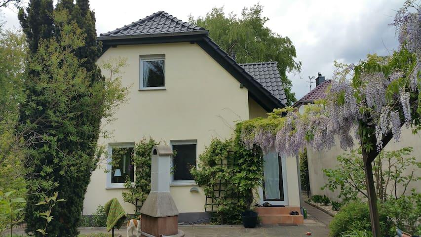Schönes Haus in Zeuthen mit eigenem Seezugang - Zeuthen - House