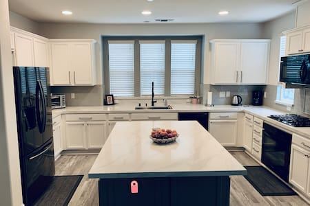 Newly Beautiful 4 Bedroom Townhome