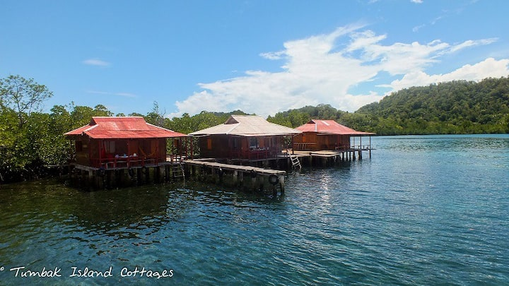 Tumbak Island Cottages (water-cottages)