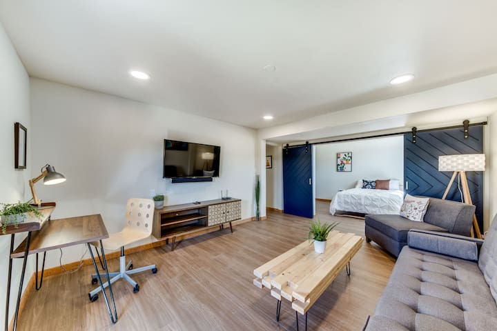 West Slope Mid-Mod Apt. Extended Stay approved!
