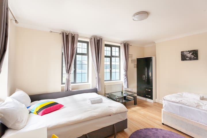 SWEET ROOM NEAR KINGCROSS
