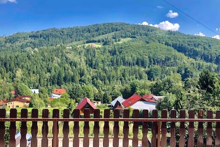 Deluxe Villa in den Bergen - in Brenna