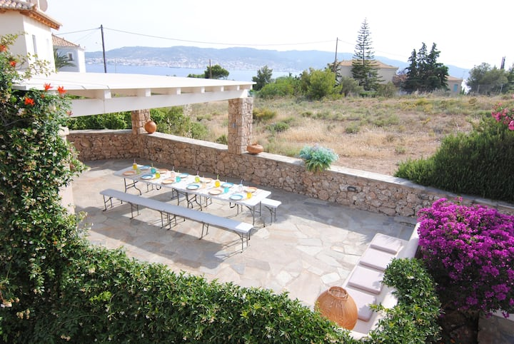 **3 Villas ideal for big companies and families**