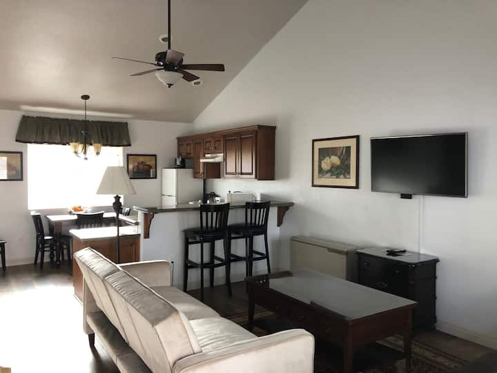 Cabin in an Awesome Location (ADA Friendly)