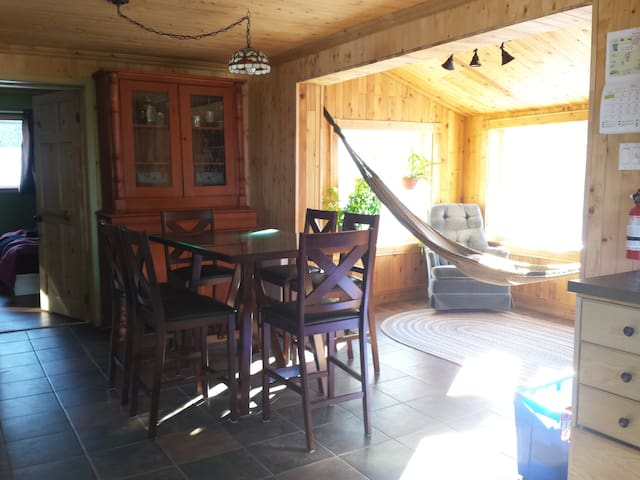 Country house close to the beach - Gaspé - Rumah