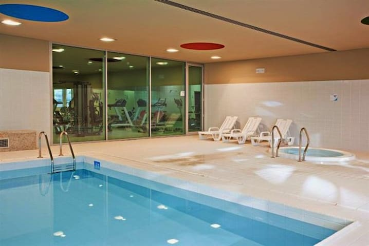 Luxury 2 + Pool + Sauna + Jacuzzi + Spa + Ginásio