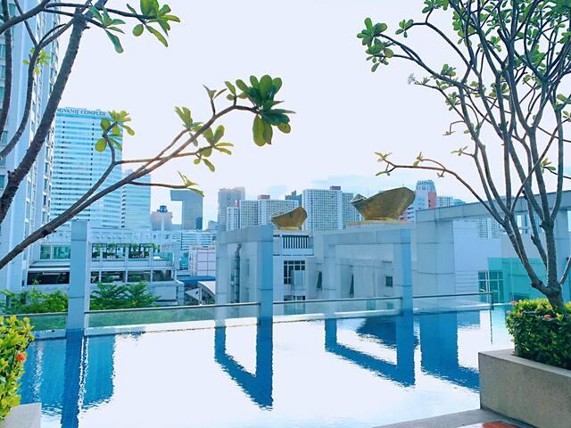 大V网红清新大床房@无边泳池,近地铁/RCA/火车夜市/暹罗广场/中文房东