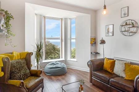Stunning apartment in Cornwall with sea view.