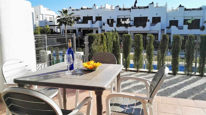 El sol, apartment with garden in luxury residence on the beach