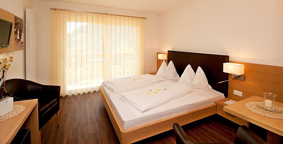 Seppmair - Doppelzimmer mit Bergblick 1
