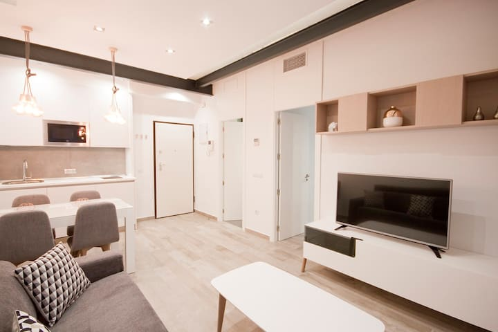 Deluxe &brand new apartment in SOL-Gran Via