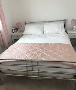 Double room in clean and comfortable home.