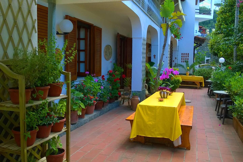 Stanza privata (singola 2 posti) in Villa a Ischia