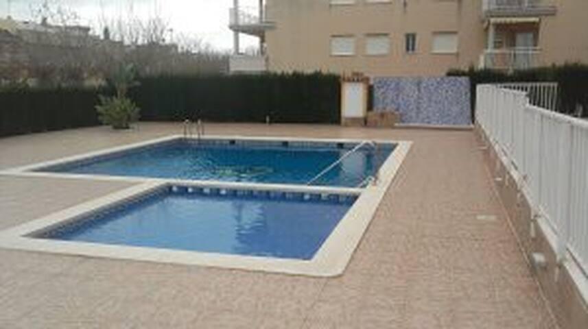 Apartamento en la playa con piscina - Playa