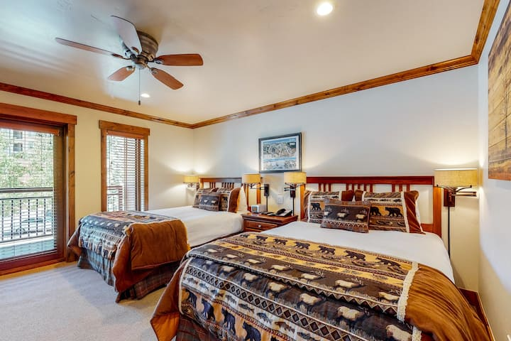 Ski-in/ski-out condo with a balcony, fast WiFi & shared pool/hot tub/laundry!